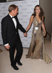 Элизабет Харли, фото 2299. Elizabeth Hurley - Operation Smile Ball in London - 11/10/11, foto 2299