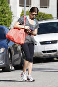 http://img230.imagevenue.com/loc118/th_998484185_Ashley_Greene_Leaving_The_Gym_In_Studio_City_Mar10_blase_NS4W4_123_118lo.jpg