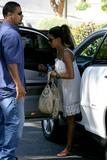 th_96371_Halle_Berry_out_and_about_in_LA_30_122_216lo.jpg