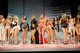 th_22033_Victorias_Secret_Fashion_Show_Runway_06_122_221lo.jpg