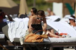 http://img230.imagevenue.com/loc343/th_312899444_Mischa_Barton_Bikini_Candids_on_the_Beach_in_Miami_December_27_2011_276_122_343lo.jpg