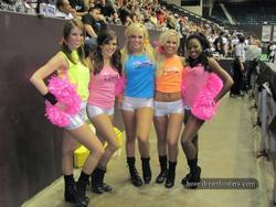 [Image: th_195424175_tduid2978_Cheerleaders_426_122_348lo.jpg]