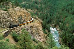 22 Beautiful Trains Wallpapers  Th_76380_tduid1721_Forum.anhmjn.com_20101124121950012_122_456lo