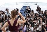 Канны (Annual Cannes International Film Festival ) - Страница 2 Th_70604_Celebutopia_KateBeckinsale_PhotocallfortheJuryatthe63rdAnnualCannesFilmFestival_12_122_80lo